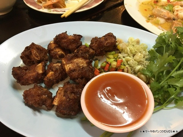 MUMAROI LOEI ルーイ タイ レストラン タイ料理 (1)
