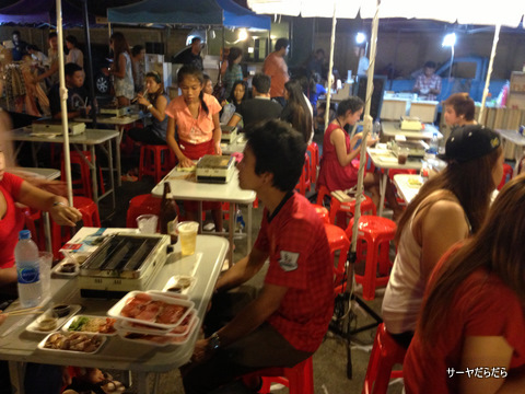 バンコク ナイトマーケット ラーミントラ 8