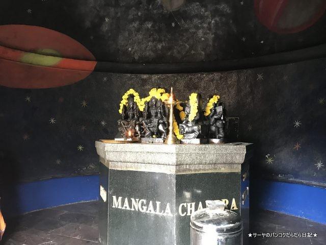 シヴァ寺にあるシヴァ神の像 shivoham shiva temple (19)