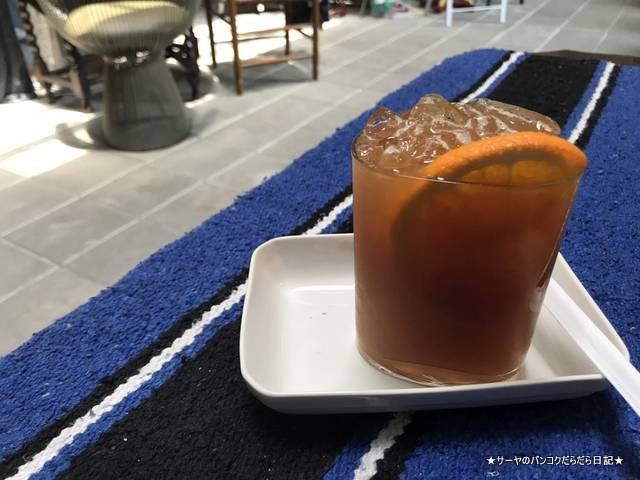 WWA x Chooseless ekamai cafe 2018 バンコク (11)