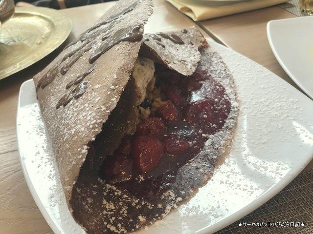 crepe and co Strawberry Crumble  bangkok オススメ デザート