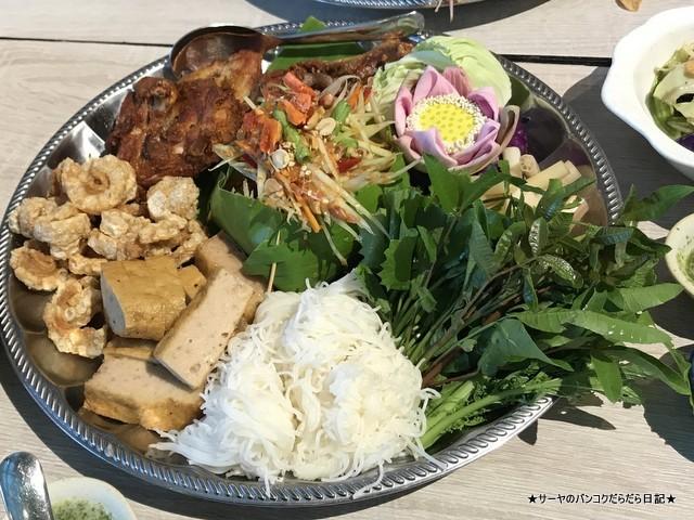 1919 Lhong rongsi seafood bangkok ソムタム