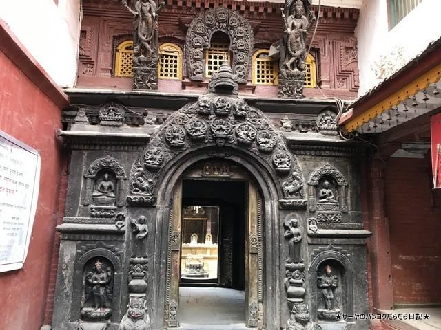 パタン ゴールドテンプル 金閣寺 ネパール (12)
