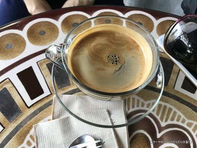 The 66 Cottage cafe バンコク 隠れ家 カフェ americano