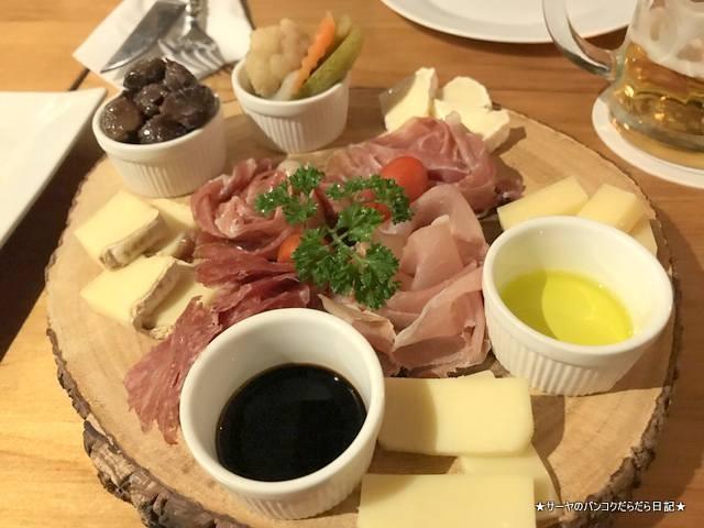 Alexander's German Eatery ドイツ料理 バンコク エカマイ (6)