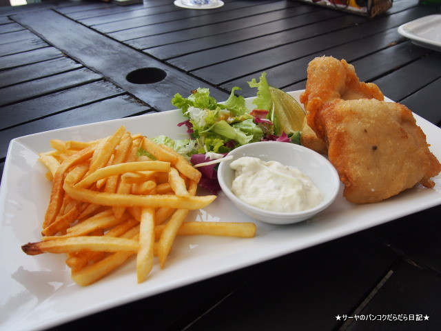 Boat House Restaurant ホーチミン 川沿い