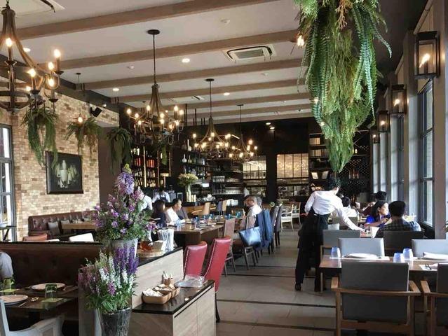 Siam Brasserie サイアムブラッセリ— タイ料理 バンコク