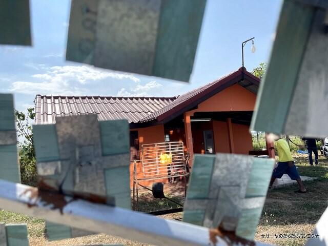Solar Roasted Chicken 鏡 ガイヤーン タイ (5)