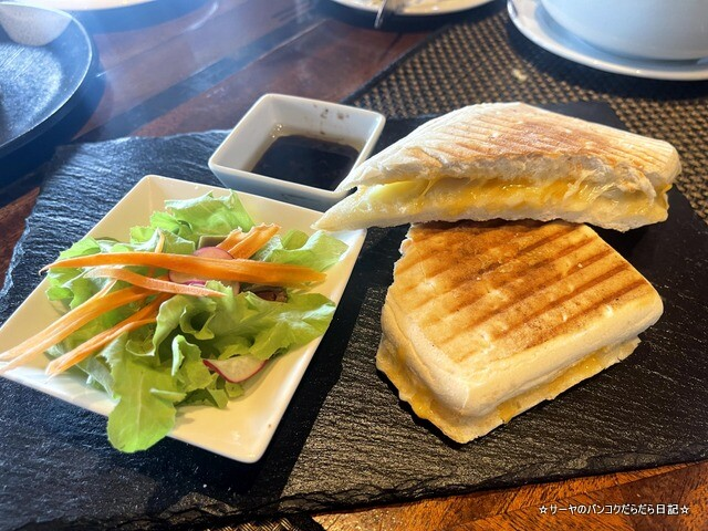 クラウンプラザ 朝食ビュッフェ バンコク (16)