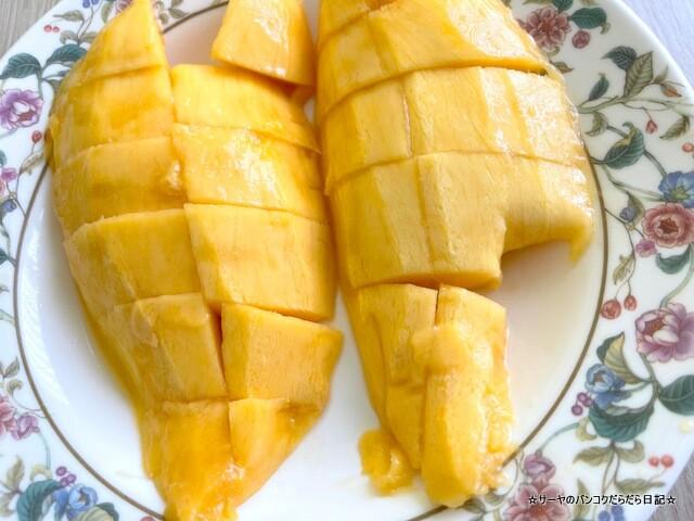 TEPPEN Yakiniku&sushi Thonglor マンゴー