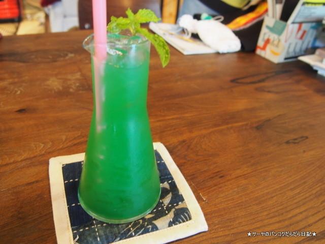 Blue Dye Cafe バンコク カフェ トンロー