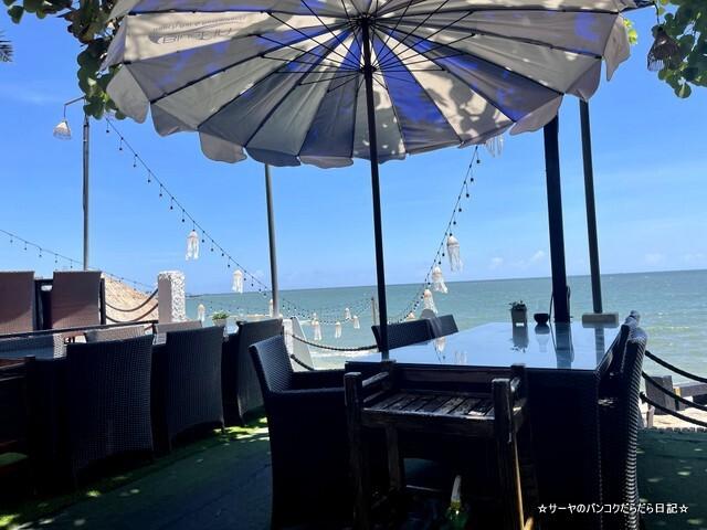 Bluefin Beach Bar ブルーフィンビーチバーアンドレストラン (6)