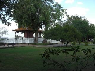 20091129 サンティチャイプラカン公園 4