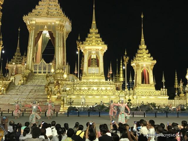 火葬場見学 プミポン国王 王宮前広場 (25)