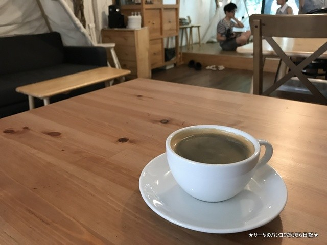 Dandelion bangkok cafe バンコク (7)