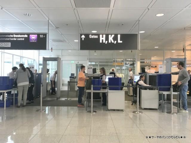 ミュンヘン空港 タイ航空 サーヤ 東欧旅行 2018 (7)