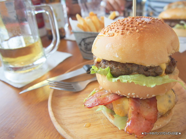 Sorry i'm Hungry Burger Cafe, Bangkok バーガー バンコク