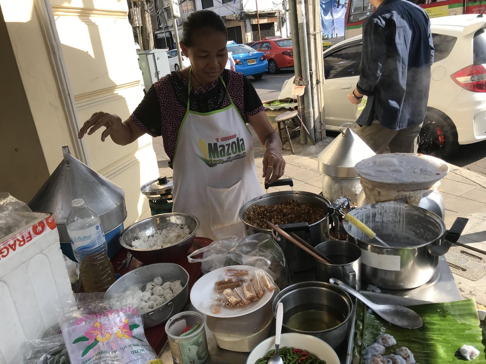 カオクリアップ パークモー タイ菓子 日曜 OLDCITY (18)