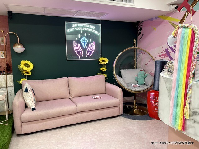 The Triplets Cafe X Nail Bar バンコク (6)