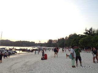 20120330 walking street 7