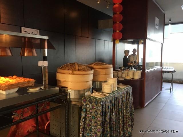 12 Hotel Breakfast (3)