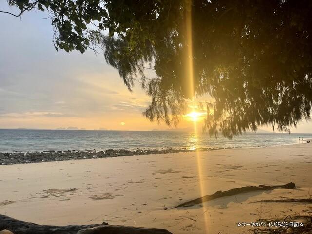 グラダン島 トラン タイ 秘境 ビーチ (1)