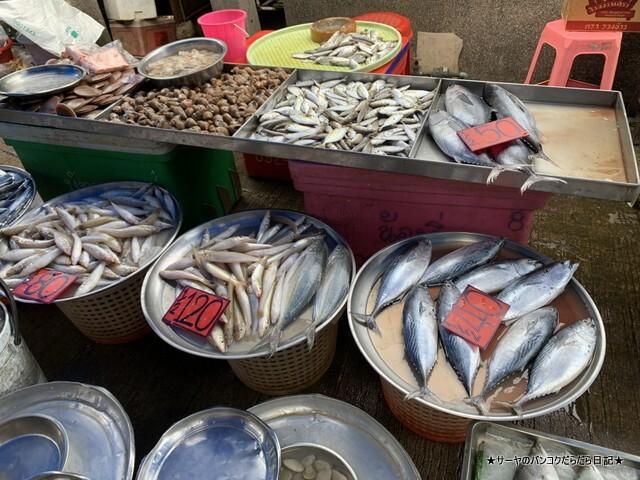 シラチャ朝市場 Muang Si Racha Food Market (11)