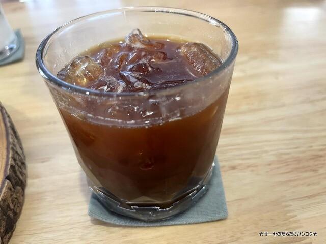La Mesa Coffee Co バンコク カフェ ウドムスック (7)