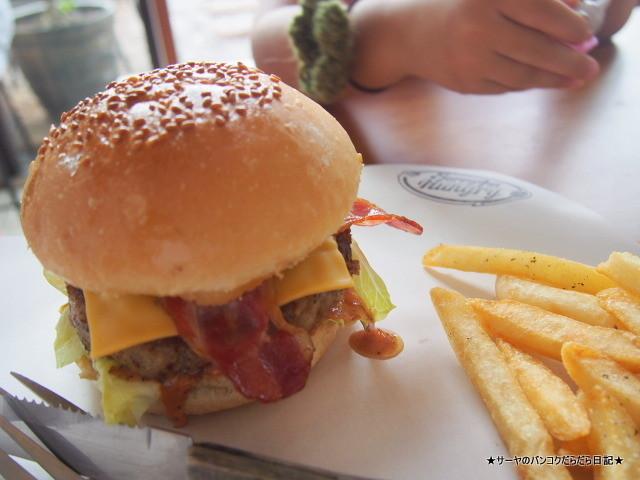 Sorry i'm Hungry Burger Cafe, Bangkok バーガー バンコク