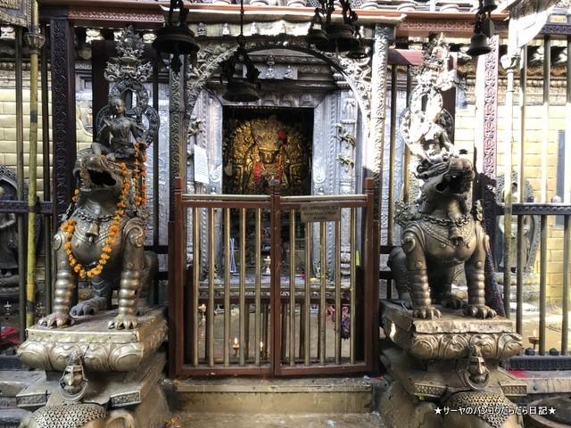 パタン ゴールドテンプル 金閣寺 ネパール (4)