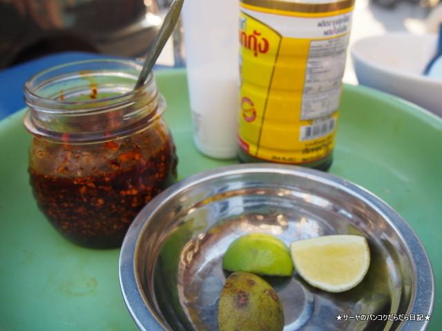 クイッティアオユアン サンデー ベトナム市場 (4)