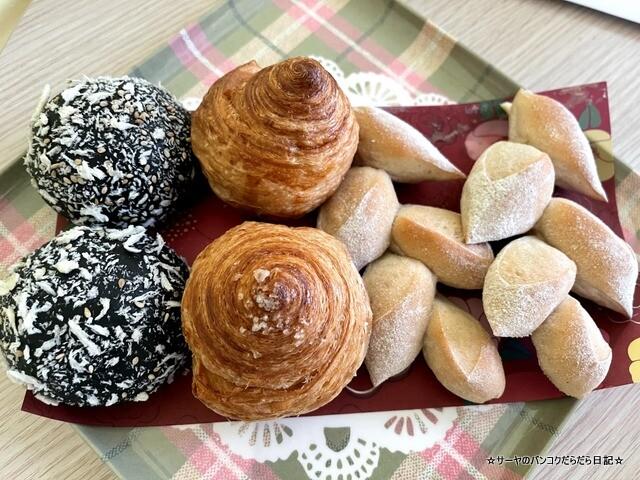 Elements Artisanal Bread Box Offers Take-Away Delights (8)