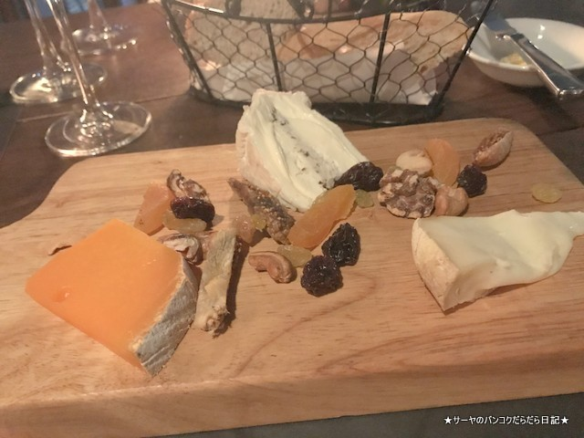 Scarlett Wine Bar bangkok cheese すすめ シーロム 2018