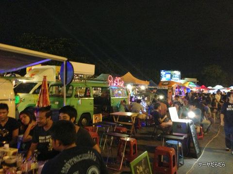 バンコク ナイトマーケット ラーミントラ 7