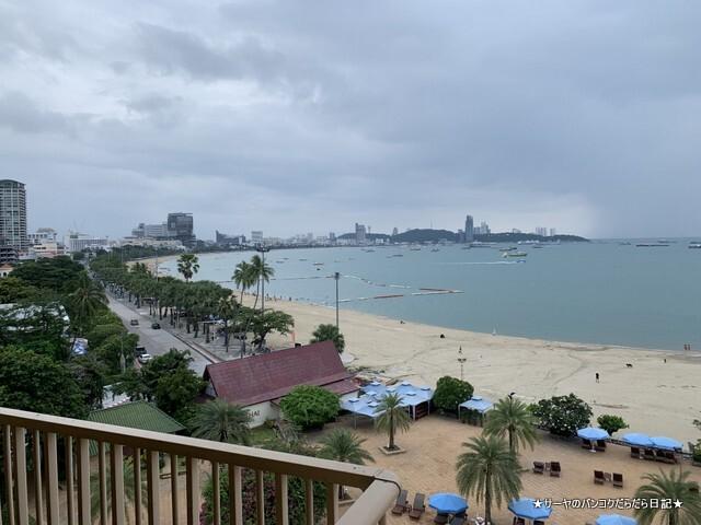 Dusit Thani Pattaya hotel パタヤ (4)