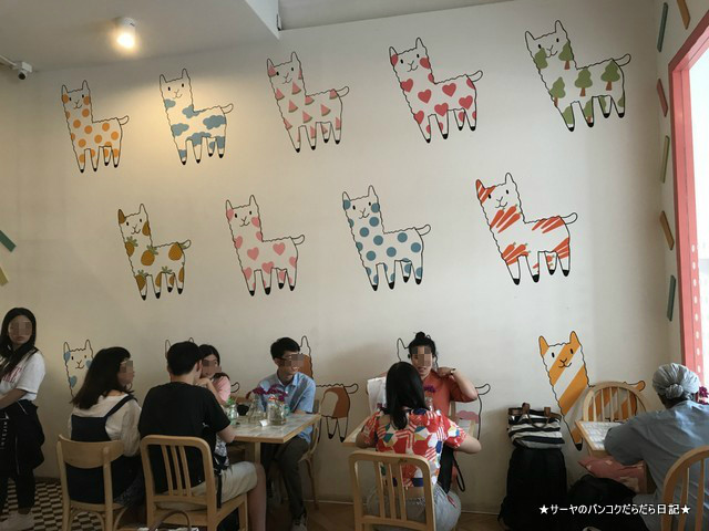 Nahim Cafe x Handcraft bangkok バンコクカフェ インスタ映え