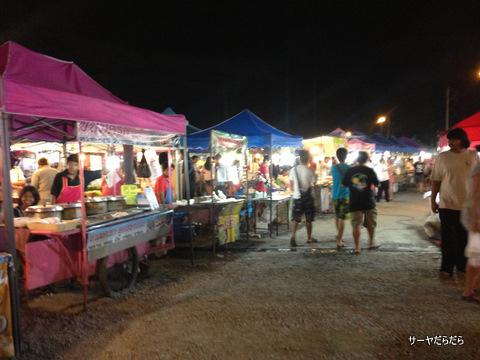 バンコク ナイトマーケット ラーミントラ 6