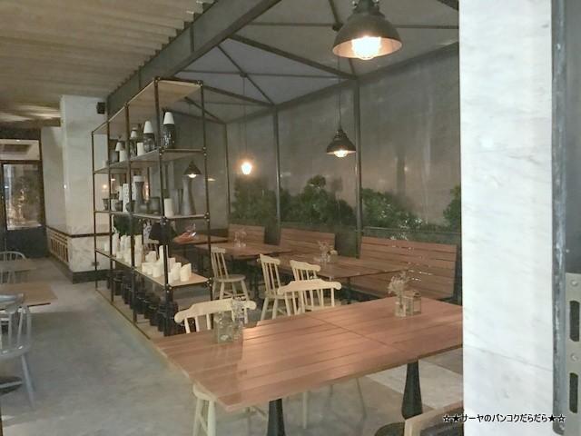 トンロー カフェ Bar Storia バンコク gourmet (12)
