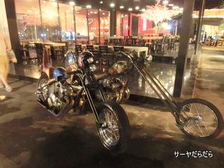 バンコク 改造 バイク 1