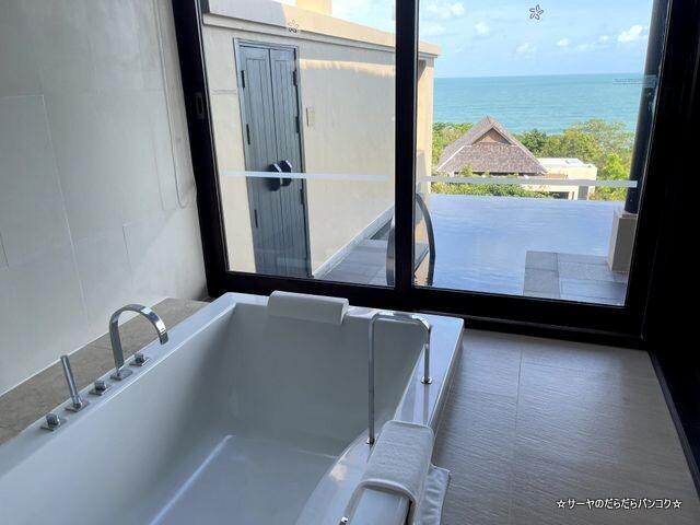 Grand Pool Suite, 1 Bedroom Suite 1 King, Sofa (7)