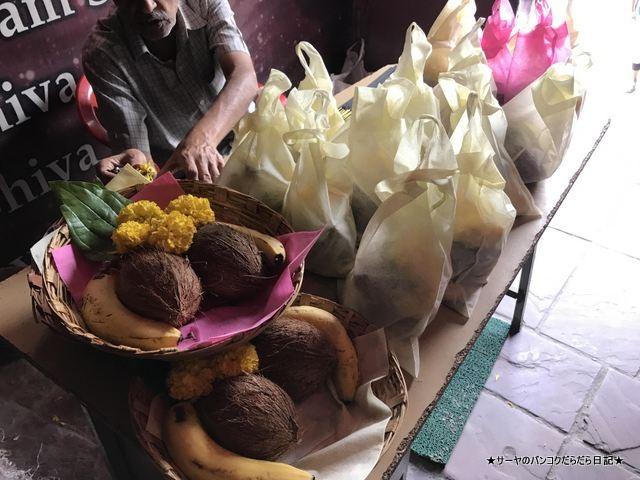 シヴァ寺にあるシヴァ神の像 shivoham shiva temple (3)