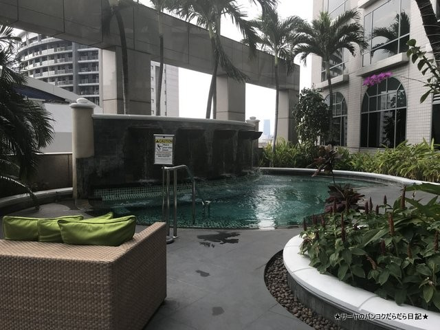Conrad Bangkok コンラッド バンコク ホテル POOL