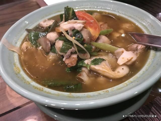balee laos バリーラオス タイ料理 バンコク トムヤム