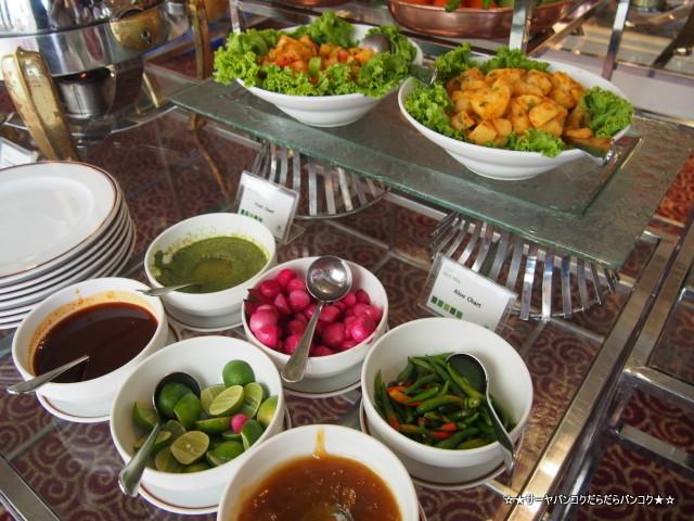 tandoor holiday inn silom バンコク インド