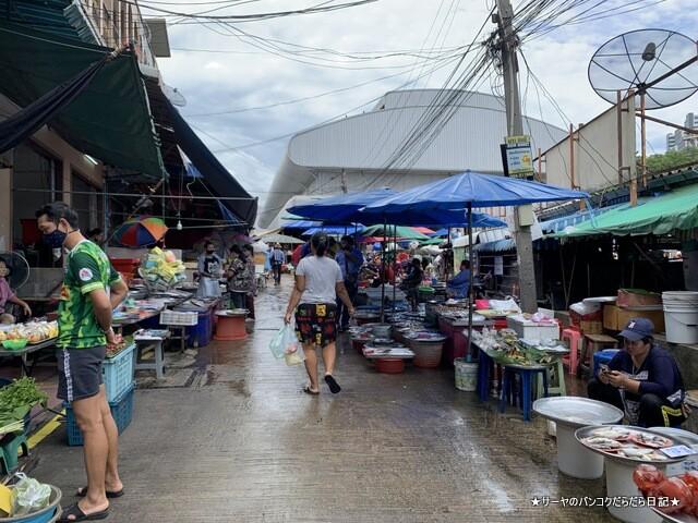シラチャ朝市場 Muang Si Racha Food Market (10)
