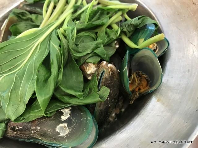 ソムサッククンオップ タイ料理 somsak kunob (10)