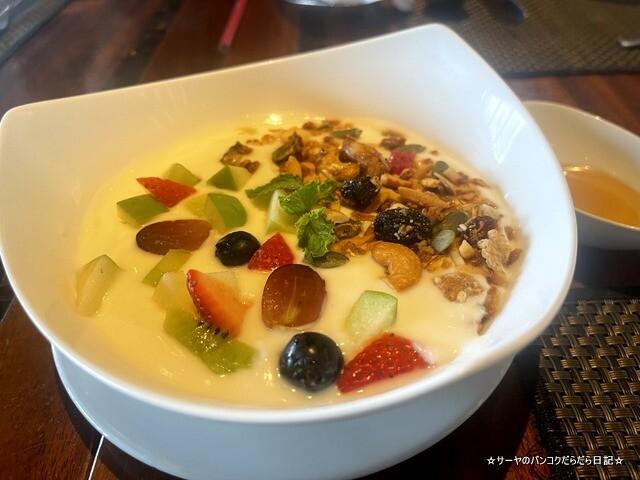 クラウンプラザ 朝食ビュッフェ バンコク (6)