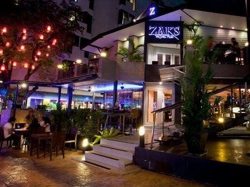 Zaks Wine Pub bangkok Italian Pizza