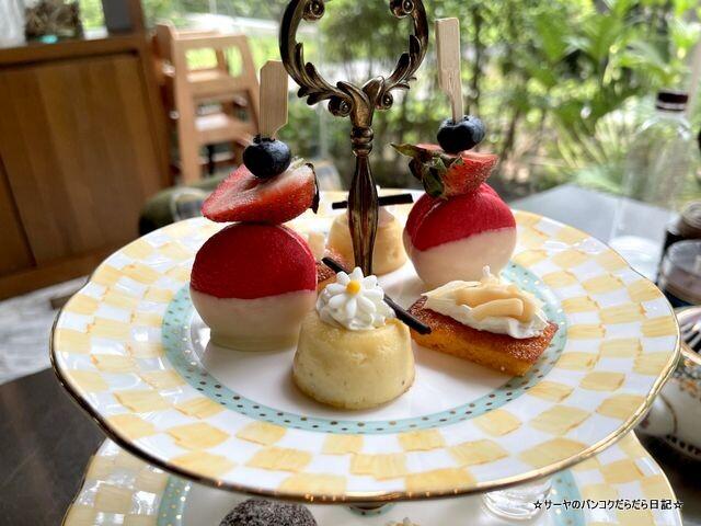 Indulgent 137 Pillars Classic Afternoon Tea (16)