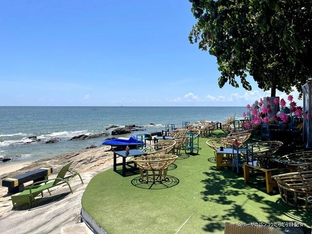Bluefin Beach Bar ブルーフィンビーチバーアンドレストラン (14)